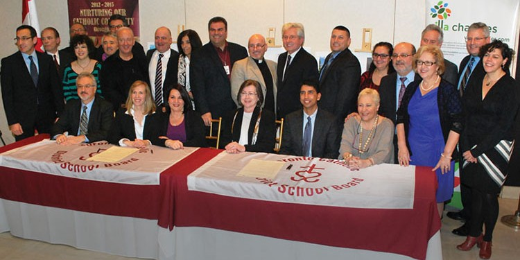 Pal Di Iulio, Karen Manarin, Nina Perfetto, Ann Andrachuk, Bruce Rodrigues, Maria Rizzo and various members of the Toronto Catholic District School Board, the Columbus Centre Board, Villa Charities Inc., along with local politicians
