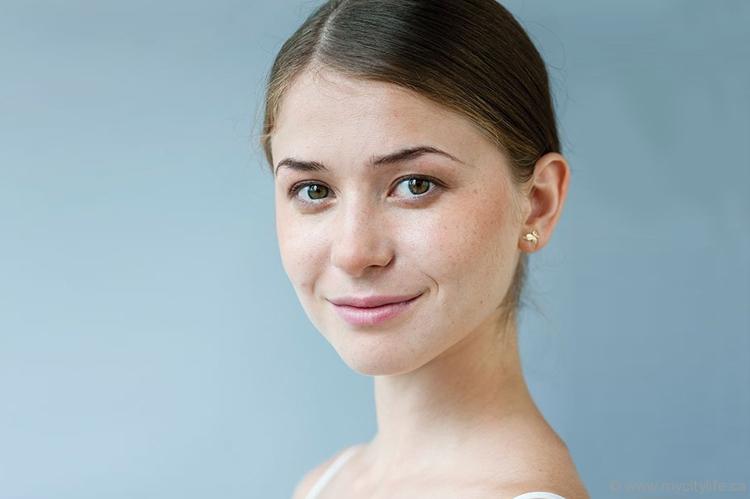 elena-lobsanova-ballerina-featured