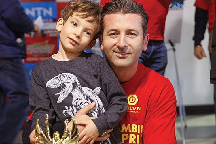1st-place-winner-of-the-celebrity-race-fernando-zerillo-with-son-christian