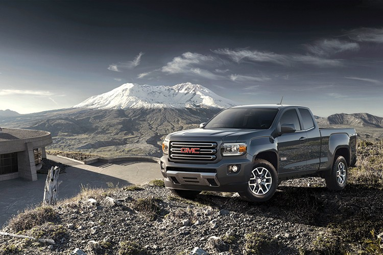 The all-new 2015 GMC Canyon features an all-new aluminum hood to help keep overall mass down and improve the front-to-rear weight balance.