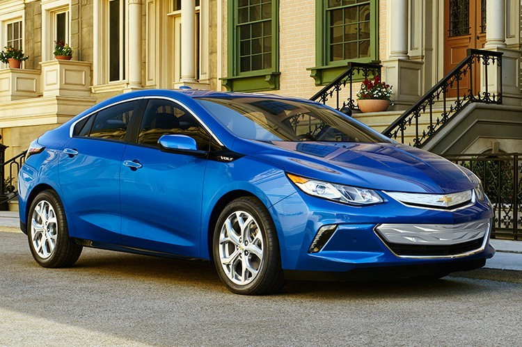 The 2016 Chevrolet Volt has an increased electric range of 80 km, up from the outgoing model's 50-km range
