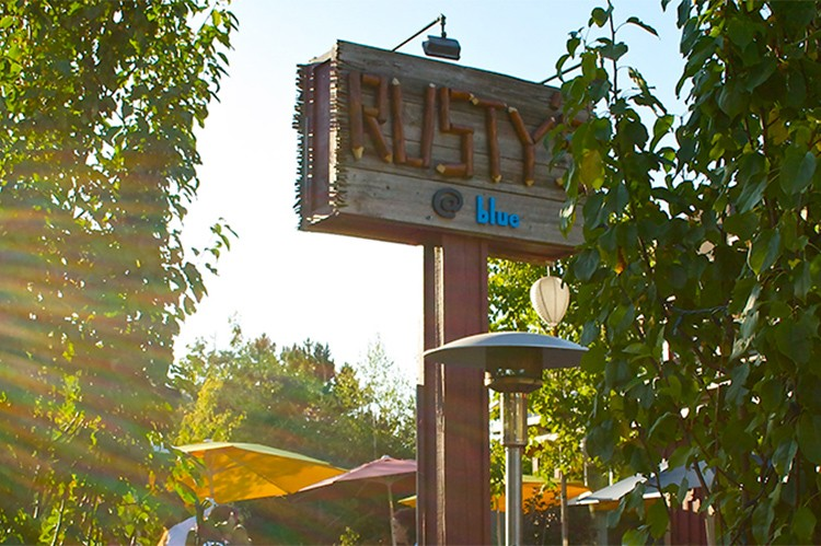 Rusty's at Blue in Blue Mountain Village is a popular spot for chalet owners and visitors all year-round. The upscale pub features Perrin's sweet spot for southern barbecue and smoked meats