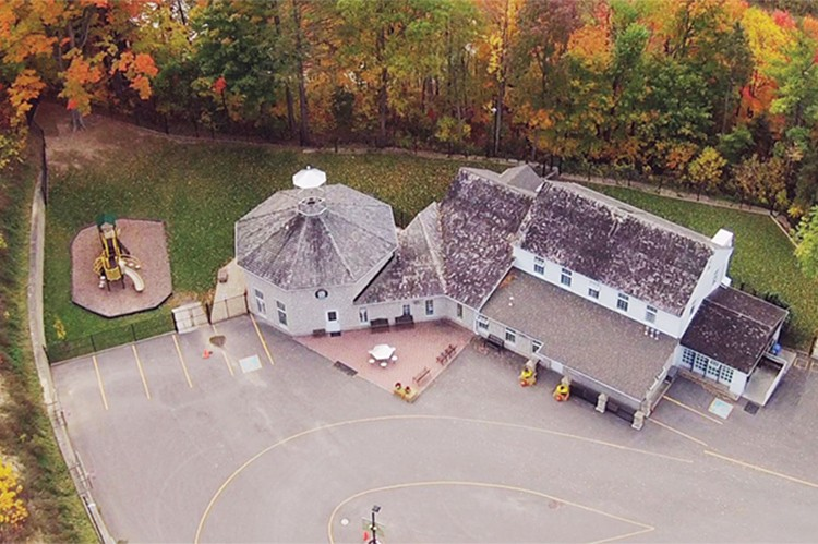 Situated on 13 acres of land, the Montessori School of Kleinburg combines a beautiful property with quality learning