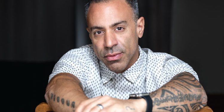 """Toronto native Bobby Motta has become one of the most influential mentalists of our time, known for creating new and innovative """"tricks"""" that he not only performs himself, but passes on to other big names in the biz / Photography By Robin Gartner"""
