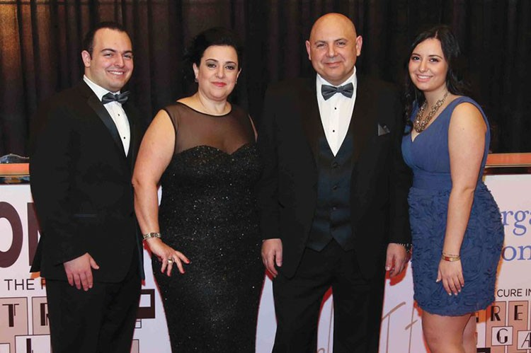 maria-luisa-bianchi-and-family-at-retro-gala-2015-onewalk-to-conquer-cancer